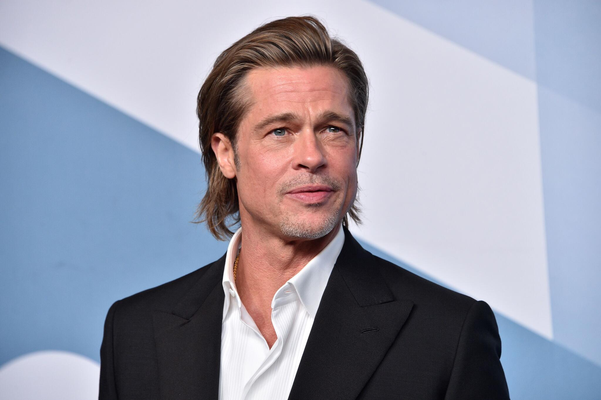 Click image for larger version Name:	brad-pitt-winner-of-outstanding-performance-by-a-male-actor-news-photo-1579504498.jpg Views:	704 Size:	172.2 KB ID:	10580