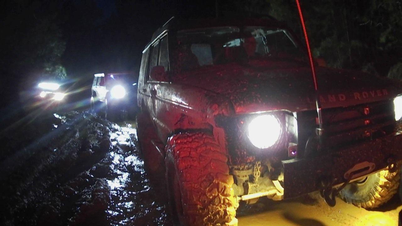 Land Rover at Stony 0220.jpg